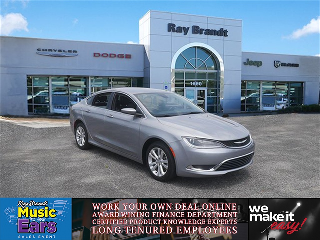 Pre Owned 2017 Chrysler 200 Limited